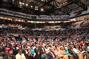 An estimated crowd of 12,000 people met today at Nassau Veterans Memorial Coliseum in Uniondale, New York, for the combined campmeeting and NY13 special event.