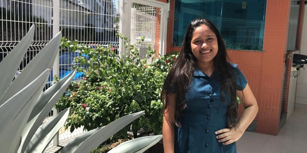 Grecielly Moraes Nascimento, 20, meeting with Adventist Mission in Salvador, Brazil. (Andrew McChesney / Adventist Mission)